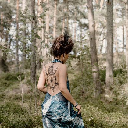 Hennas zīmējumi. Modele: Evija